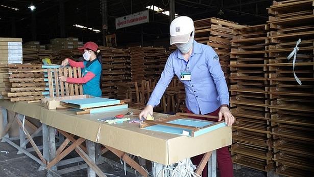 Xuất khẩu gỗ tăng mạnh ở nhiều thị trường 3633 20161123 093020 pjbl