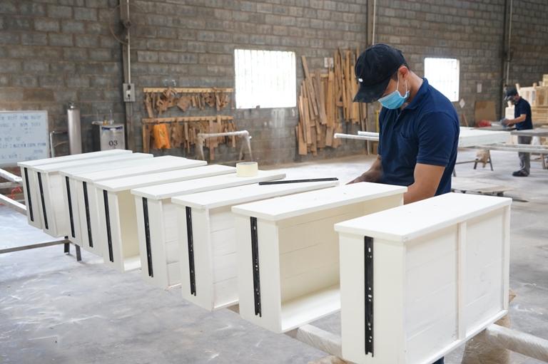 Tận dụng cơ hội của ngành công nghiệp chế biến, xuất khẩu gỗ nh   m  y g    vi   t t  n1     nh hawa 10 15 14 268