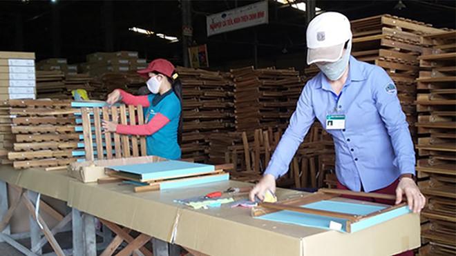 Xuất khẩu gỗ mùa dịch Covid-19 đạt 2,73 tỉ USD trong 3 tháng đầu năm xuatkhaugo coxk 1