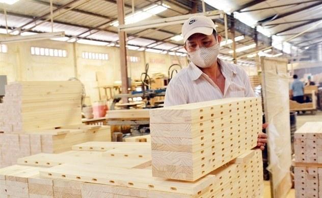 Xuất khẩu gỗ 9 tháng xấp xỉ 9 tỷ USD, xuất siêu hơn 6,1 tỷ USD 180520 xuatgo1