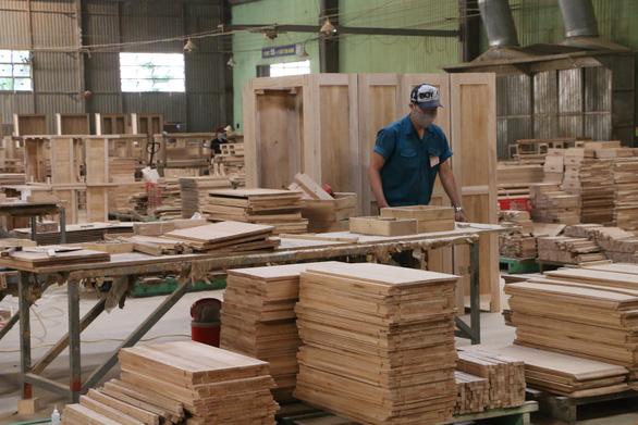 Xuất khẩu gỗ: hàng ngàn container hàng bị tồn tại các cảng biển img2442 1586848788220210887570