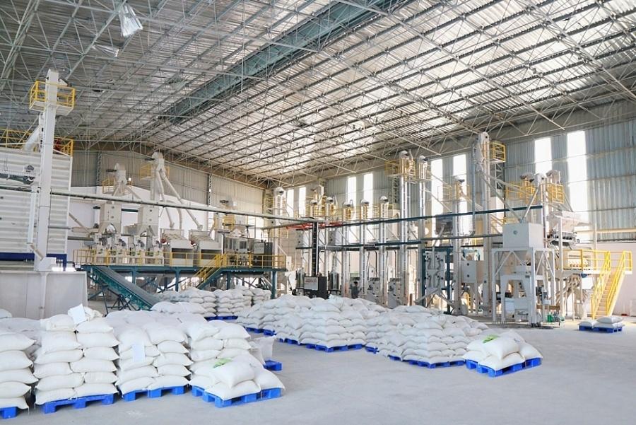 UKVFTA giúp xuất khẩu gạo rộng cửa vào thị trường Anh x2438 Nha may sYn xuYt gYo sYch ITA RICE jpgqrt20201214112440 pagespeed ic 3oKFjT3tGi