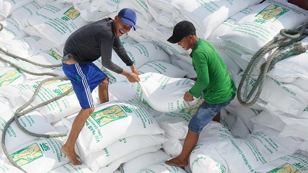 Tân Cảng Hiệp Phước tạm ngừng dịch vụ đóng rút gạo, xuất khẩu gạo gặp khó gao zedb